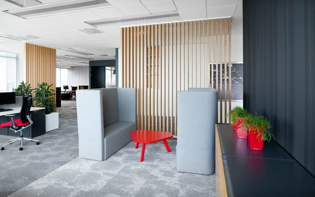 Travailler dans un environnement professionnel plus calme grâce aux rideaux acoustiques